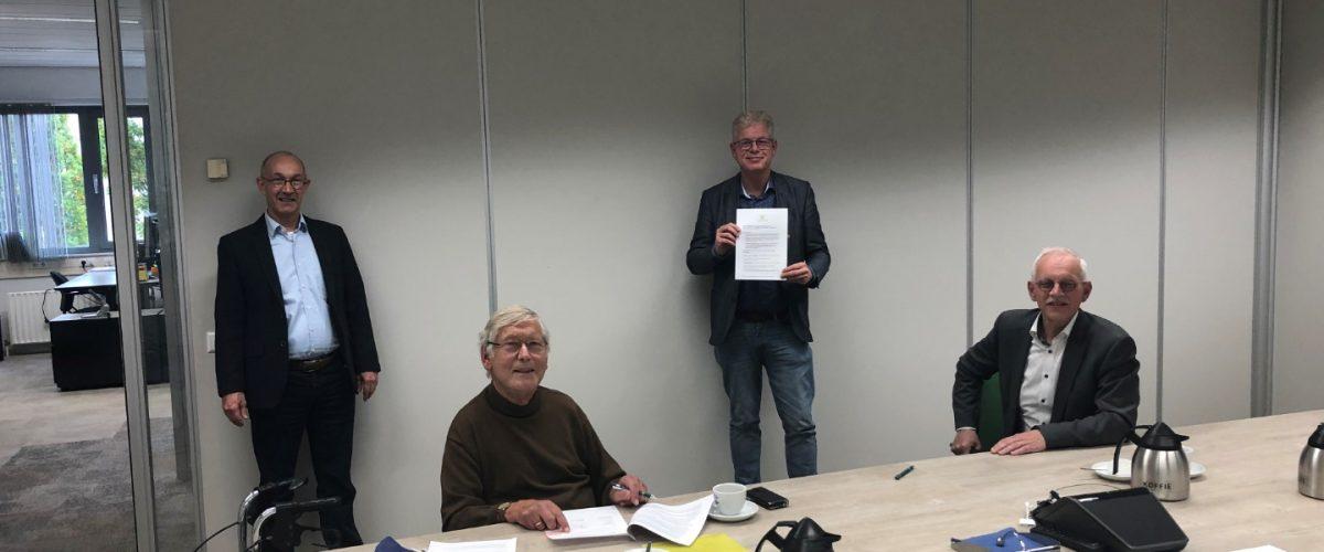 20201015-foto-4-ondertekening-overeenkomst.jpg